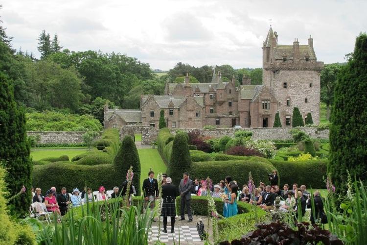 Guthrie Castle Weddings