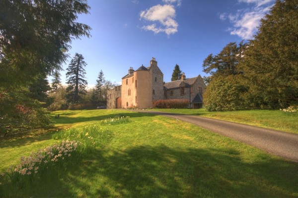 duchray castle wedding venue