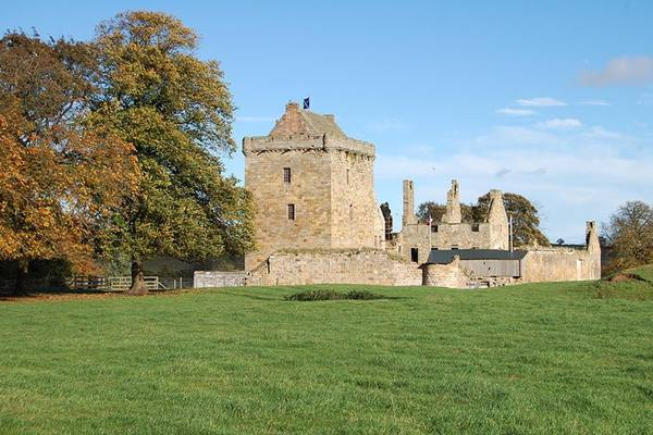Balgonie castle weddings