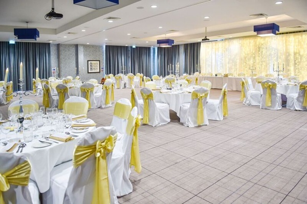 edinburgh village hotel weddings